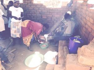 Gregg women preparing food